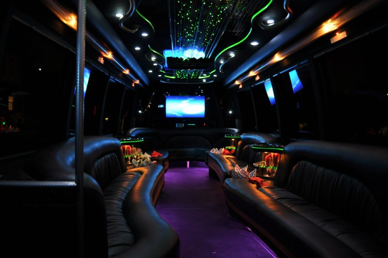 28 Pax Party Bus int#3