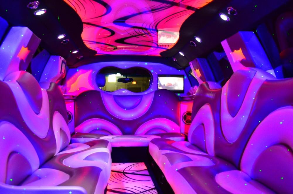 Pink SUV Hummer interier