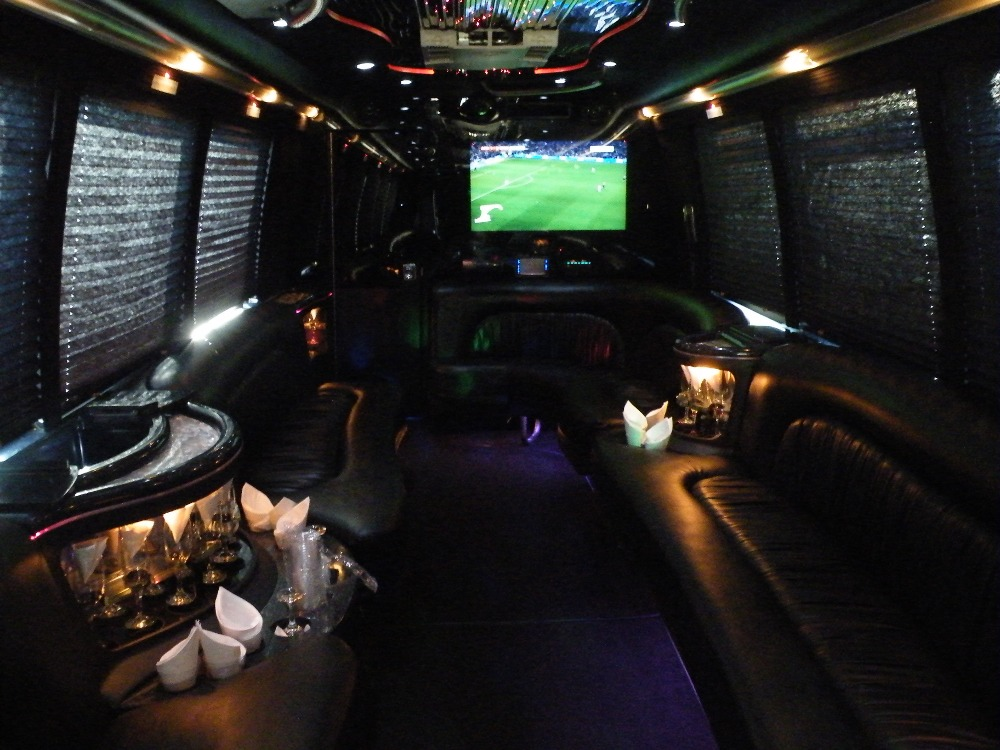 Party Bus Mid Front